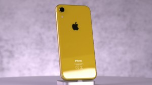 Смартфон iPhone XR подешевел в Китае