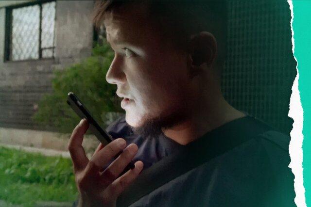 На HBO выходит документальный фильм об эвакуации геев из Чечни. Неизвестно, покажут ли его в России, — на «Медузе» можно увидеть 4 фрагмента