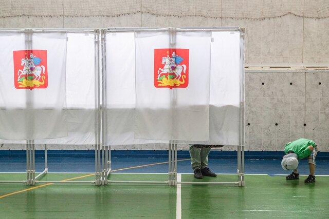 «Путины уходят и приходят, а поправки остаются». Мы попросили читателей «Медузы», которые проголосовали за поправки и «обнуление», объяснить свой выбор. Вот самые интересные мнения