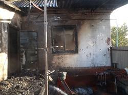 Неисправный мопед привел к пожару в доме