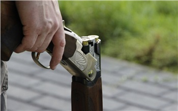 В Зеленогорске чета пенсионеров сумела отбиться от разбойника с ружьем. Он приходил дважды, но денег не получил