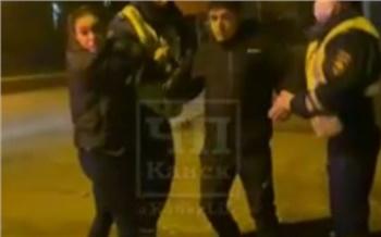В отношении подравшихся с полицией жителей Канска возбудили уголовное дело