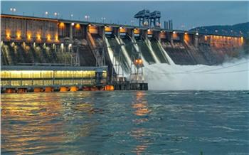Уровень воды в Енисее поднялся. Подтоплены набережные, причалы и подвалы