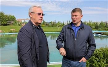 «Красноярск стоит на великой реке, а купаться негде»: Александр Усс потребовал найти места для отдыха горожан у воды