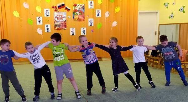 Дошкольники Брянской области отметили День защитника Отечества песнями, стихами и спортивными состязаниями
