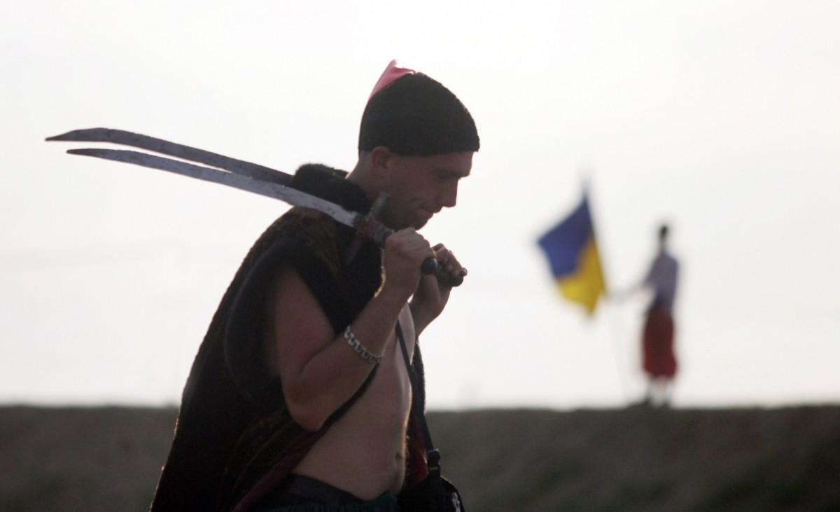 Житель Одесской области, угрожавший соседям саблями и булавой, отделался условным сроком