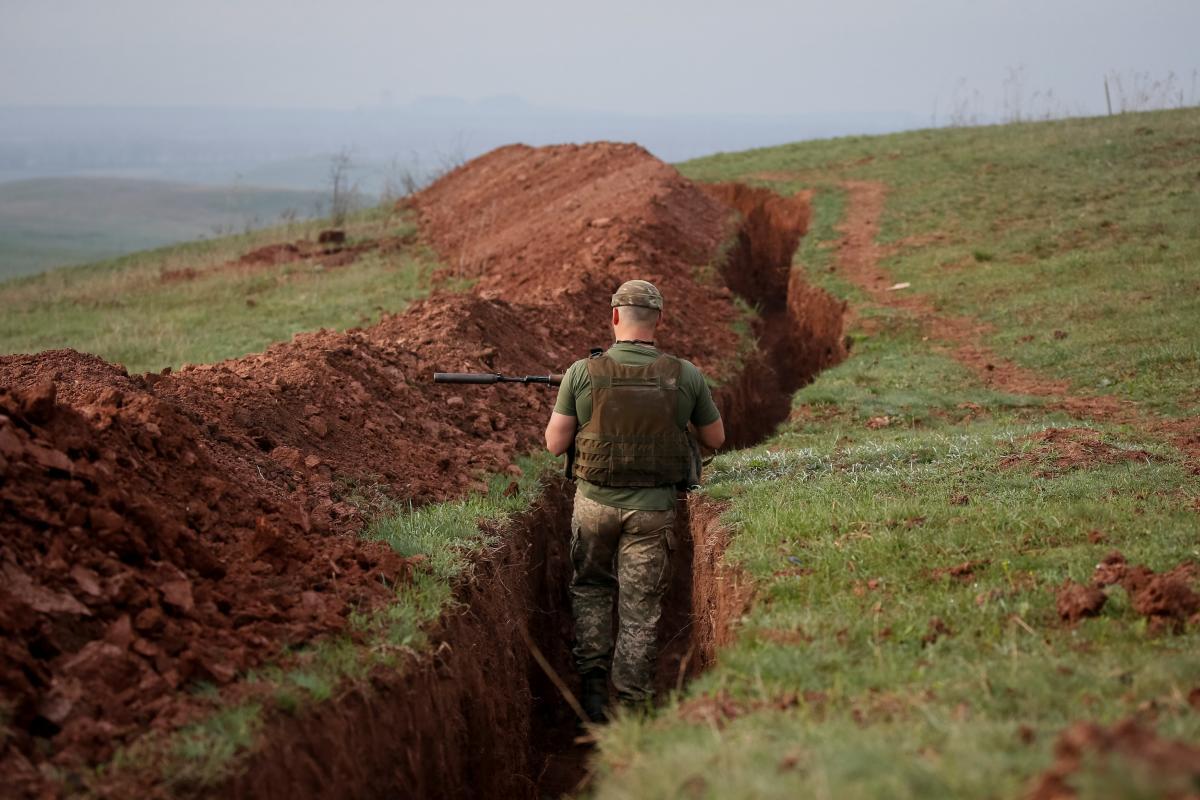 На Донбассе ранены двое украинских бойцов