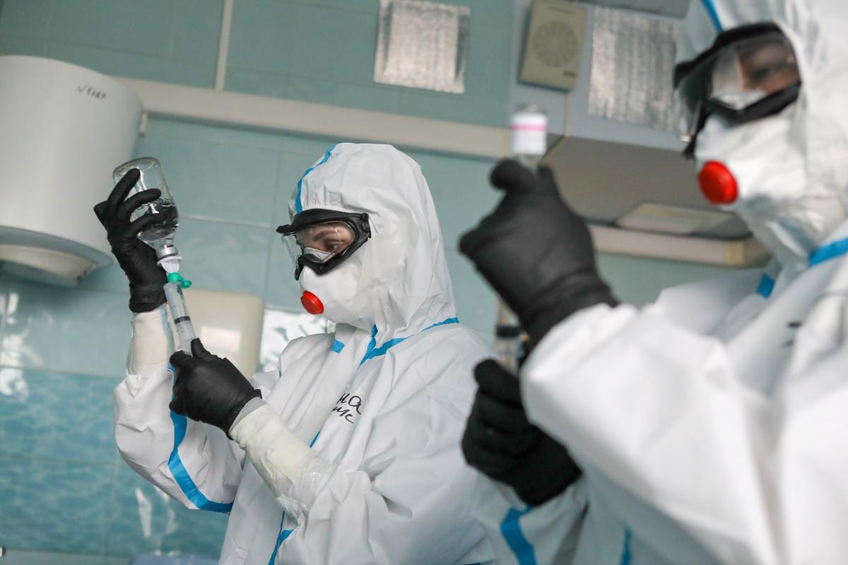 'Смертность в 60 раз выше, чем от гриппа': израильский врач указал на главную угрозу COVID-19