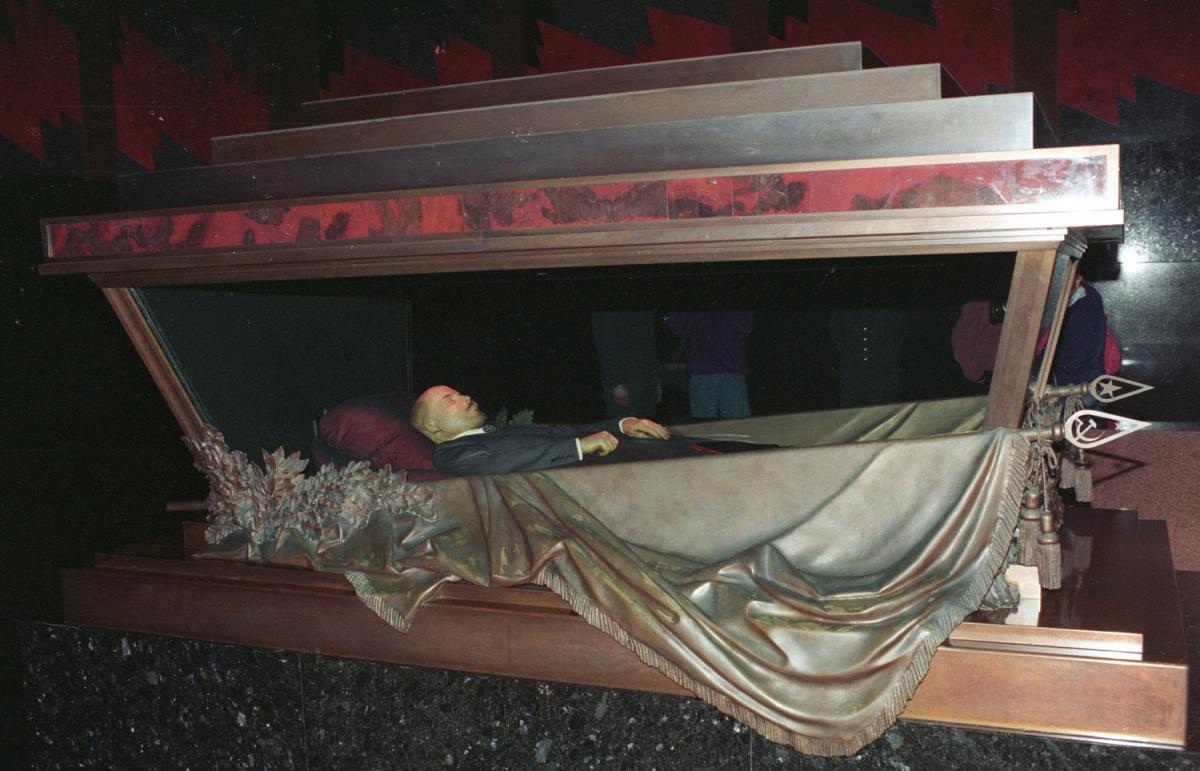 Жириновский предложил продать за границу мумию Ленина