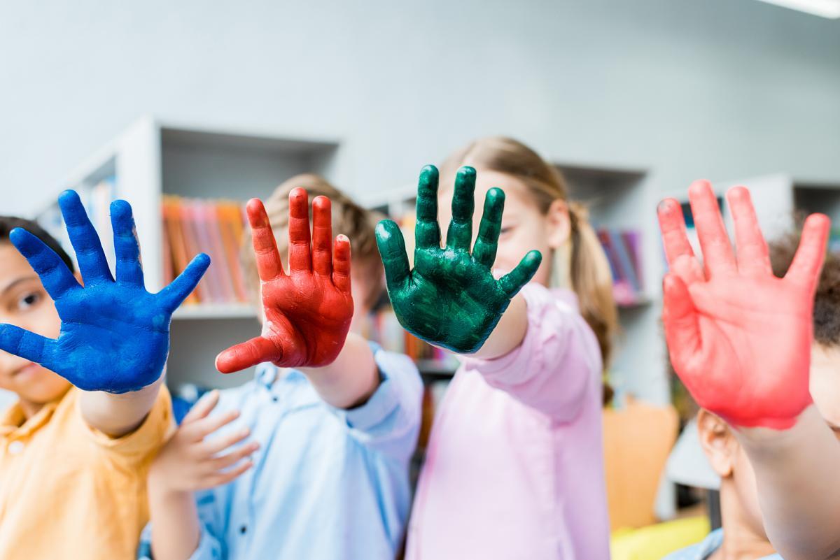 День защиты детей: история и особенности праздника, лучшие поздравления в стихах и открытках