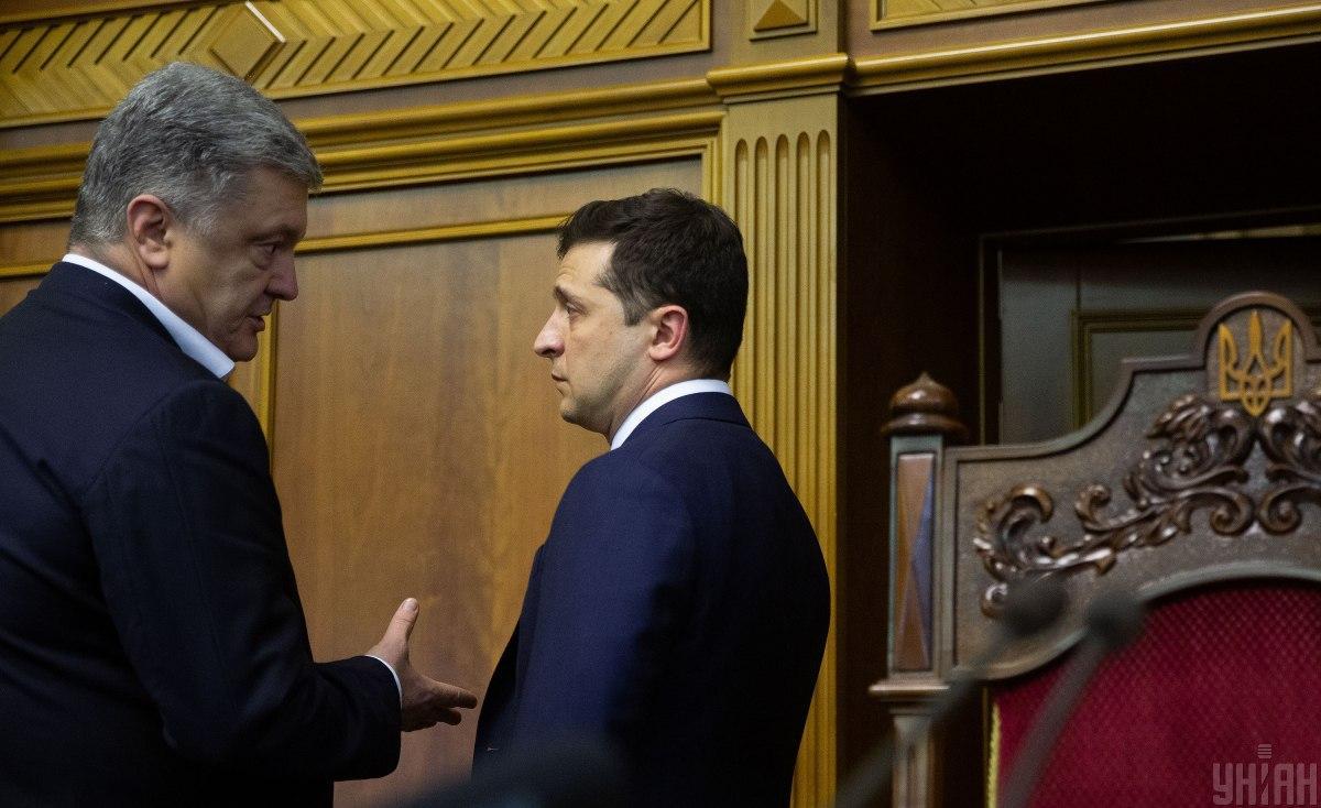 Обвинили друг друга в хищении бюджета: Зеленский и Порошенко поссорились в соцсетях