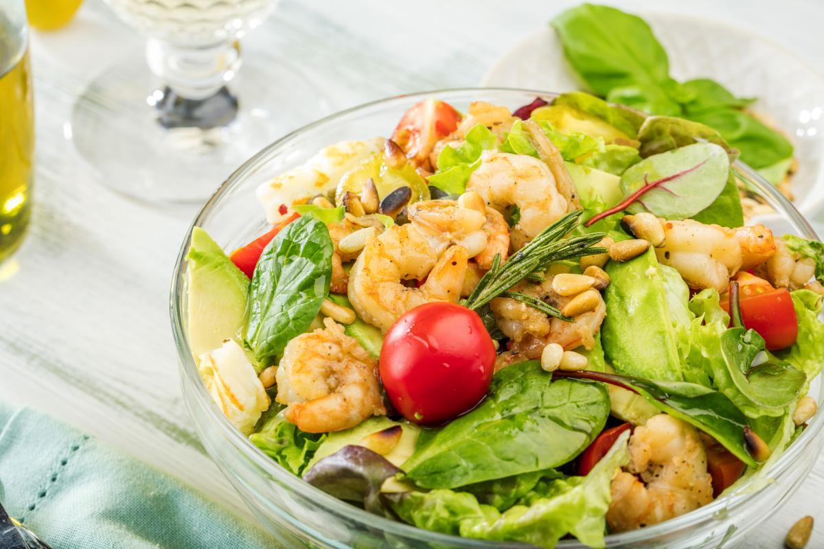Вкусные салаты с креветками: рецепты яркого и оригинального блюда