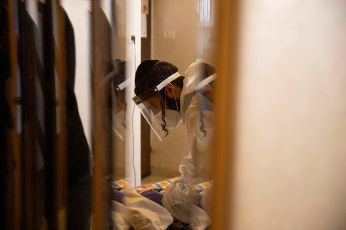 В Израиле половина инфицированных штаммом 'Дельта' были вакцинированы от коронавируса