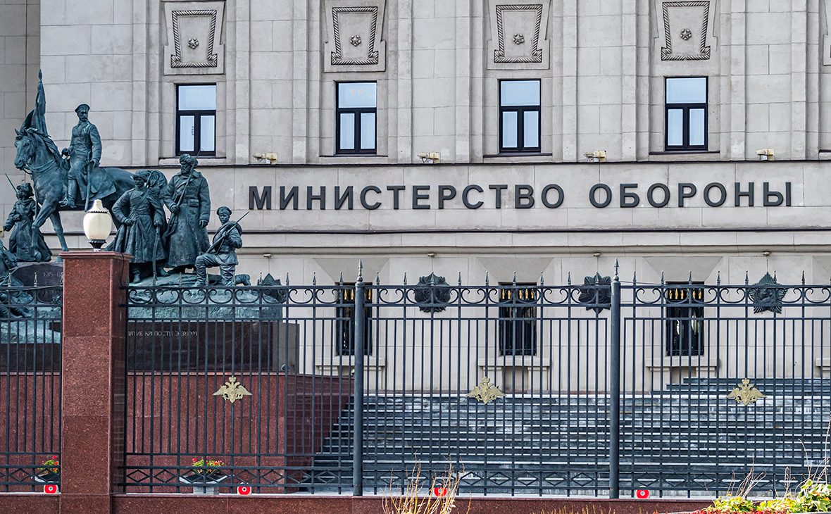 В Петербурге задержали главу военного стройнадзора