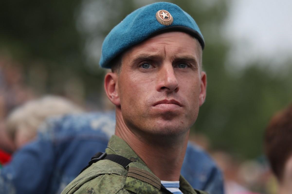 Симоньян поставила десантников в личный рейтинг прекрасных мужчин