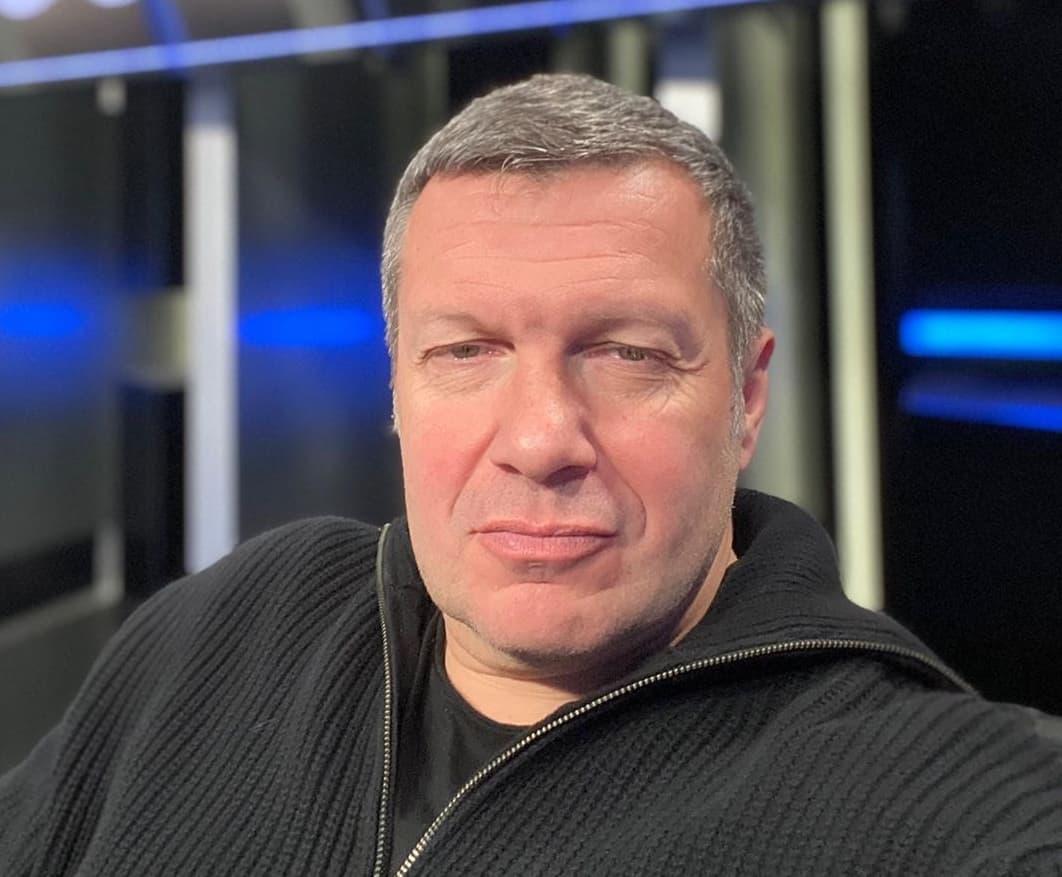 Соловьев раскритиковал внешность и образование Бони