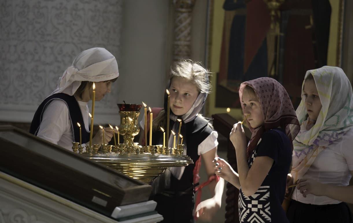 Покров Пресвятой Богородицы: история, значение, приметы