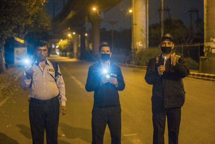 В Индии приложение для контроля социальной дистанции стало обязательным