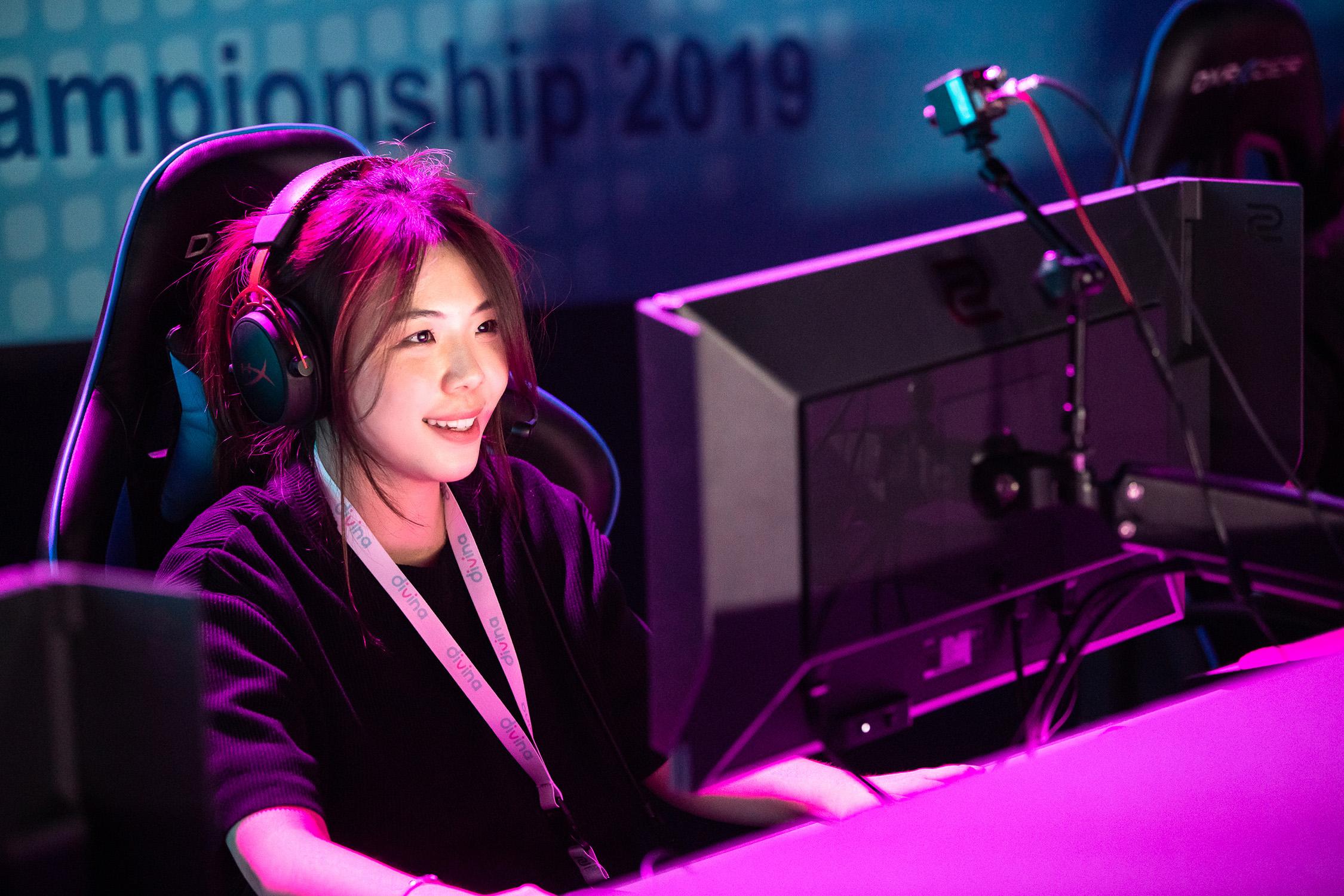 Мужчина переоделся девушкой, чтобы сыграть на женском турнире по CS:GO
