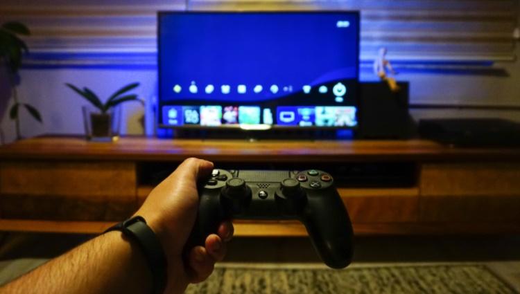 Sony приостановила рекламу PlayStation в Facebook и Instagram