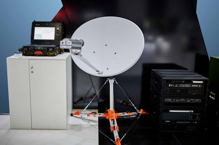 Скоростной интернет в любой точке России: Росэлектроника представила мобильную спутниковую систему, обеспечивающую до 45 Мбит/с