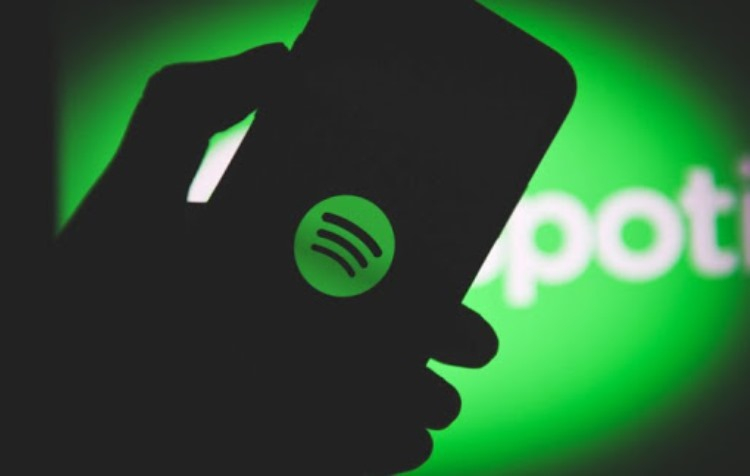 Spotify обвинила Apple в антиконкурентном поведении из-за запуска единой подписки на свои сервисы