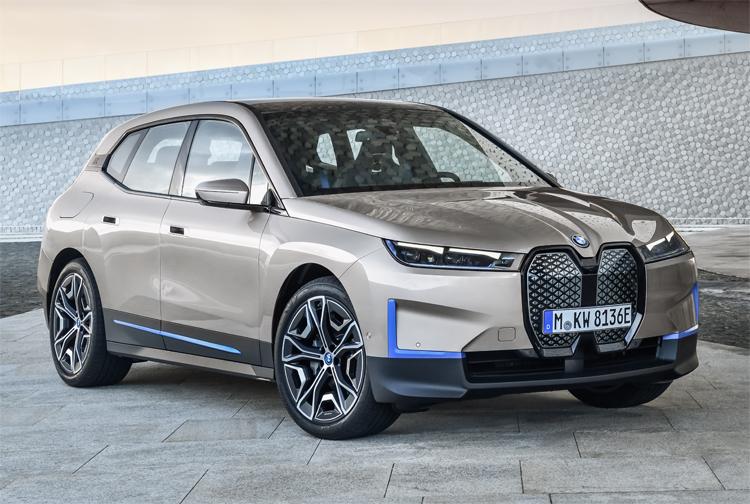 Представлен электрический кроссовер BMW iX с запасом хода более 600 км, быстрой зарядкой и свежим дизайном