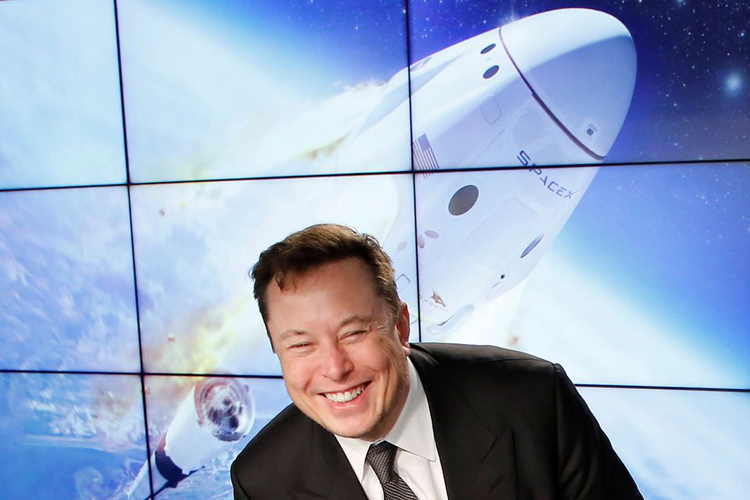 Илон Маск заявил, что в будущем весь транспорт станет электрическим, а человечество ждут большие перемены