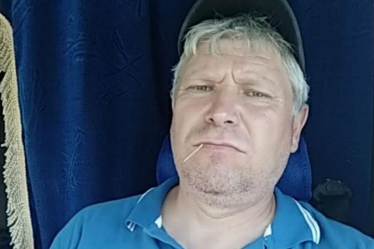 В Твери задержали дальнобойщика, ударившего офицера ДПС, попросившего показать документы