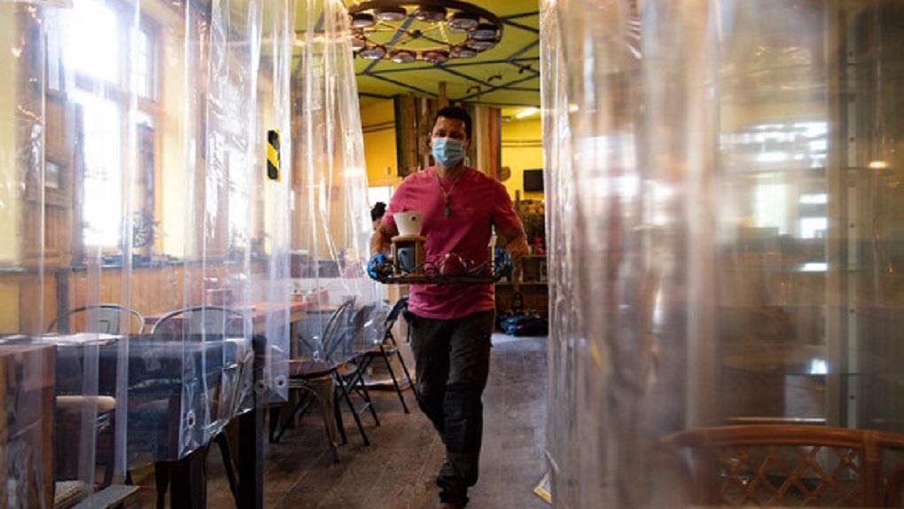 Пандемия превратила рестораны по всему миру в рай социофобов. Фото