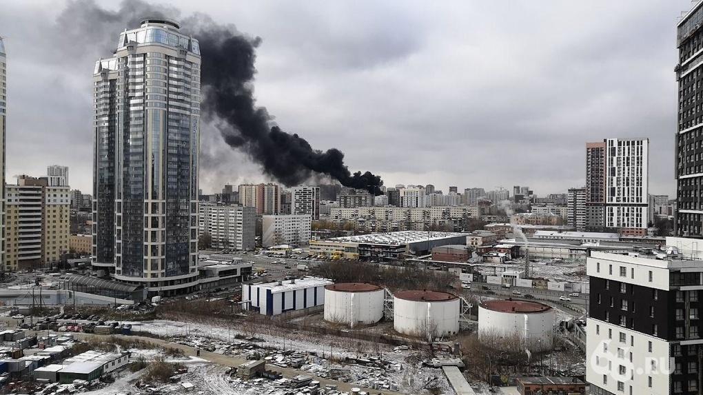 В Госжилнадзоре выяснили, почему загорелся утеплитель на строящемся здании ЖК «Квартал Федерация»