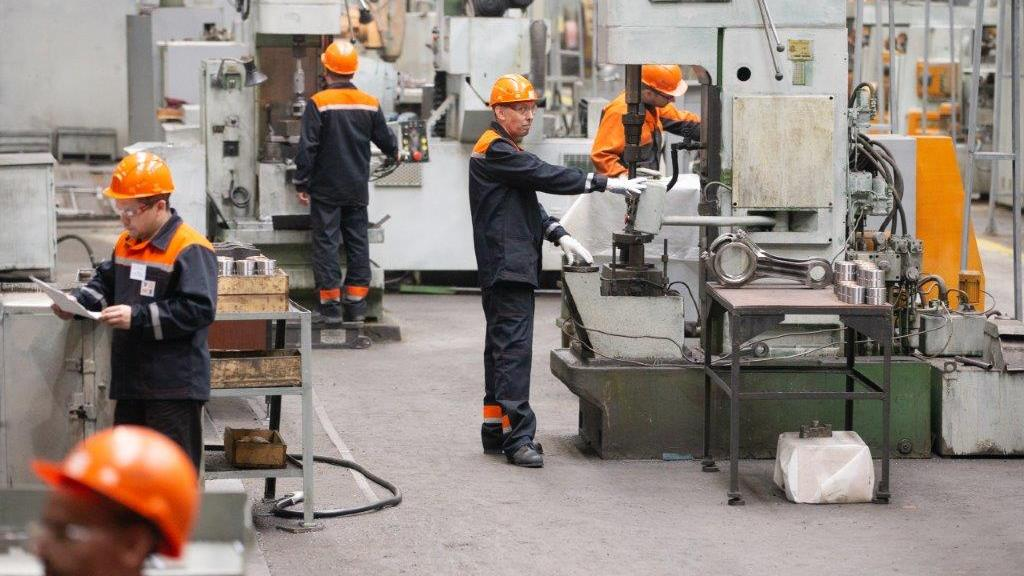 СТМ утвердил новые правила безопасности труда на предприятиях