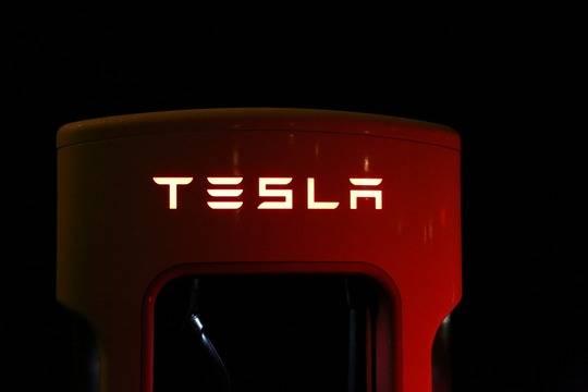 Минпромторг пригласил Маска обговорить место для завода Tesla в России