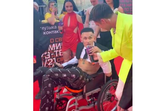 Моргенштерн сбежал из больницы в инвалидной коляске