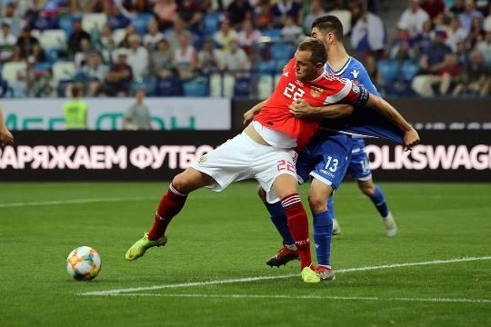 Карпин оставил Дзюбу без вызова в сборную на сентябрьские матчи отбора к ЧМ-2022