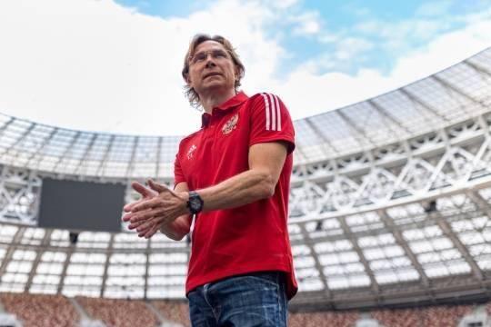 Помощник Путина: Валерий Карпин хорошо провел первые матчи сборной России