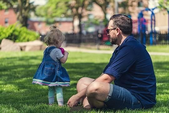 В России отцам детей от суррогатных матерей захотели выдавать маткапитал