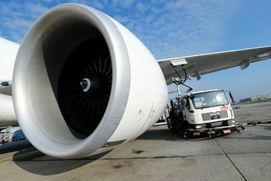 Великобритания запретила полеты Boeing 777 после инцидента с возгоранием двигателя