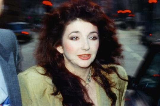 40 лет грянуло альбому Кейт Буш «Never For Ever» и международному хиту «Babooshka»!
