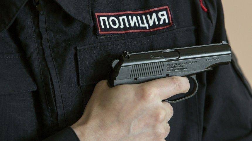 Видео с места захвата заложников в банке в центре Москвы