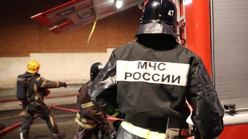 «Что-то рвануло»: в сети появилось видео пожара на месте взрыва цистерны с газом в Казани
