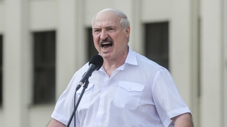Лукашенко заявил, что не пойдет на слом Белоруссии