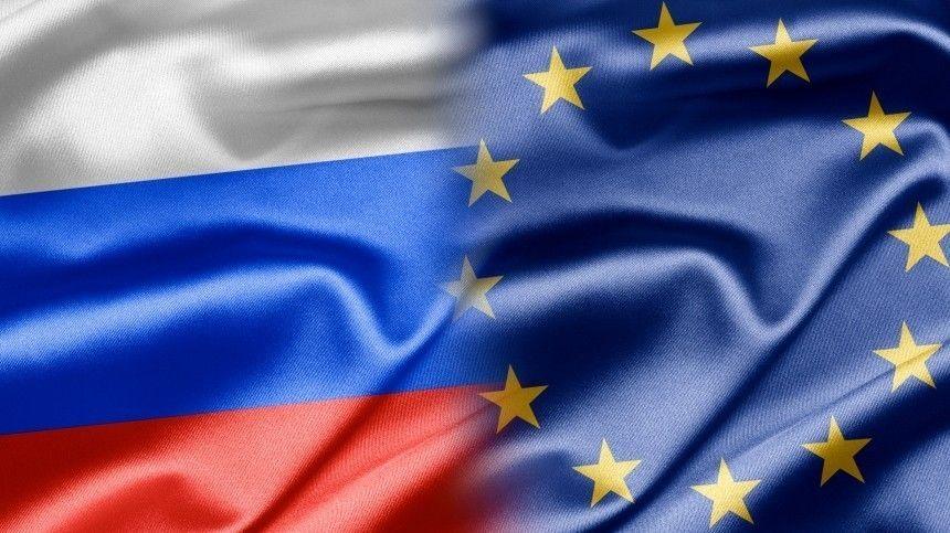 Путин заявил Макрону и Меркель о готовности РФ возобновить связи с ЕС