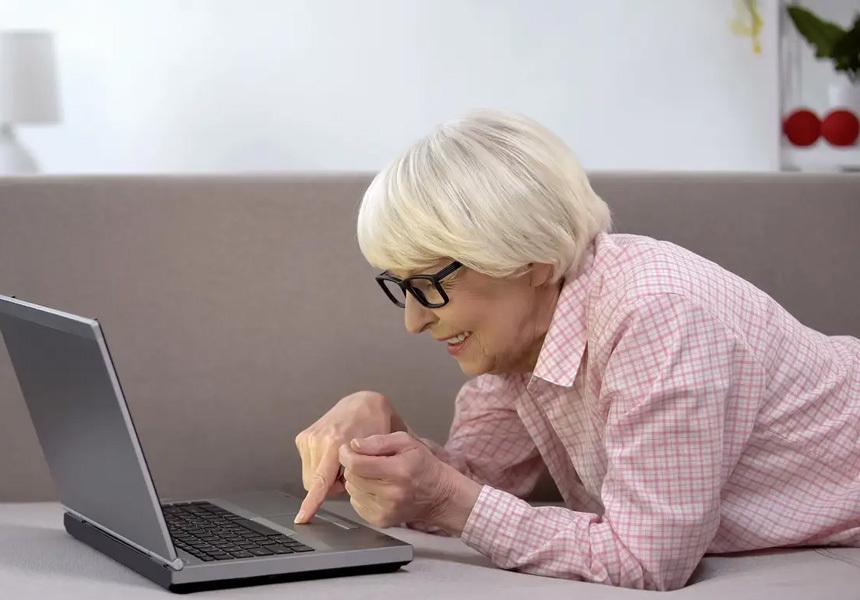 Бабушку хотят оштрафовать за публикацию фотографий своих внуков в Facebook