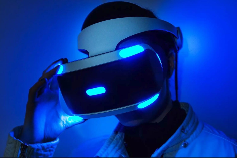 Sony начала разрабатывать VR-шлем для PlayStation 5