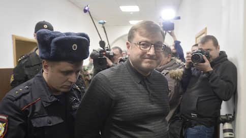 Со стройки в Ново-Огарево нет выхода // Главные обвиняемые в хищении средств при реконструкции резиденции президента оставлены в СИЗО