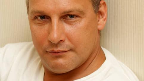 Писателя вписали в подследственный роман // Дмитрия Стародубцева подозревают в изнасиловании несовершеннолетней
