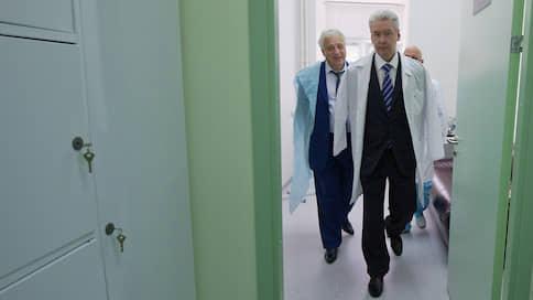 «Нас всех связывает безответственное отношение к своему здоровью» // Виктор Лошак побеседовал с одним из архитекторов действующей системы московского здравоохранения Леонидом Печатниковым