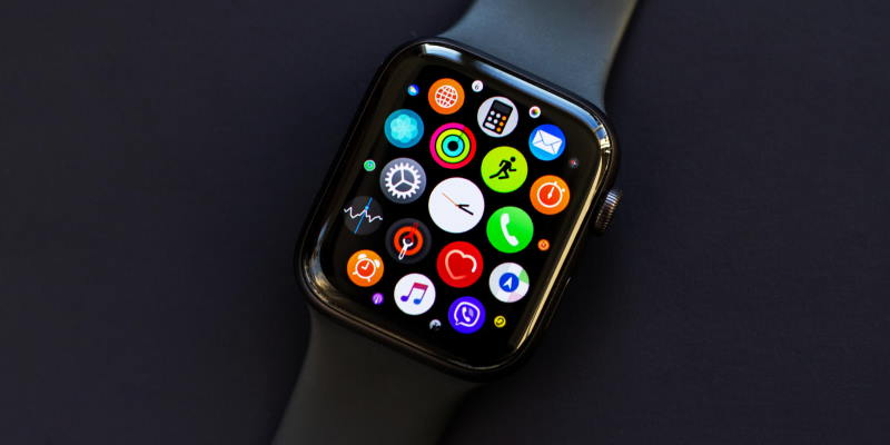 Cstore запустил trade-in на Apple Watch и MacBook