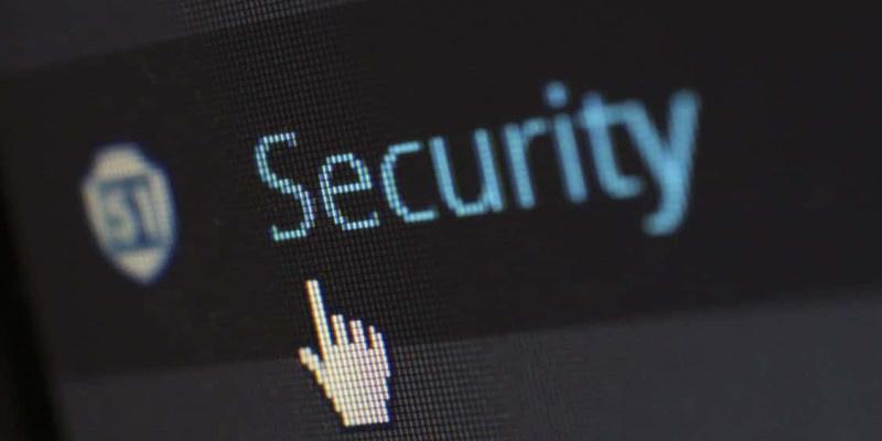 Apple защитила пользователей iPhone и iPad от опаснейшего хакерского софта